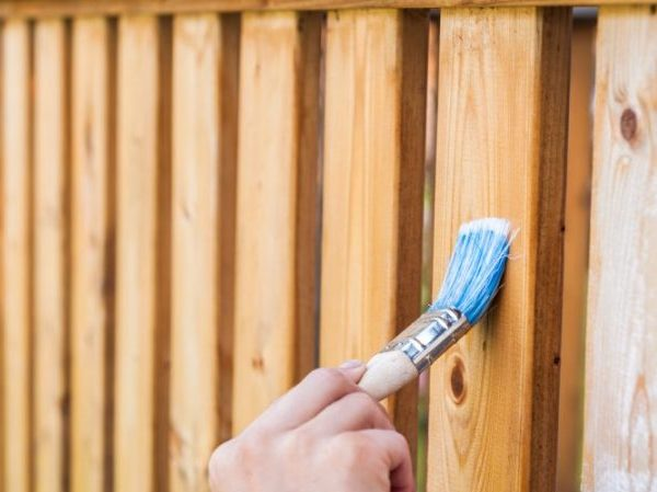 fence staining service dallas